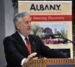 Jennings gives speech inside historic Kiernan Plaza (slideshow)