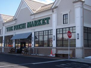 The Fresh market is planning a store in Saratoga Springs, New York, provided a developer gets approval to build a mixed-use retail plaza. The Fresh Market opened its first store in the Albany area in August 2010 (pictured above). Saratoga city planners were told that the exterior of the new Fresh Market would look different from other locations in the chain.