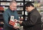 Veteran salesman pushes cookies into new market