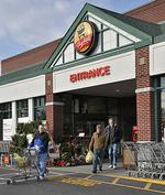 "ShopRite expands Niskayuna store to handle growth of ""shop from home"" orders"