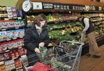 Golub in settlement talks with ShopRite over Internet ad case