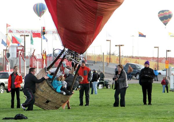 Bernalillo County officials are encouraging locally-owned restaurants, breweries and wineries to sign up for Taste of New Mexico 2013. The event will be held during the second weekend of the annual Balloon Fiesta.