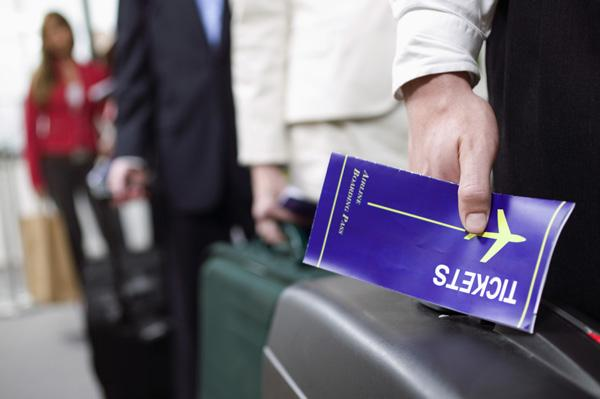 Travelers flying to the top destinations this Christmas will pay about 8 percent more than what it cost last year to travel during the holiday.