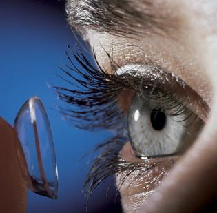 WellPoint has agreed to buy 1-800 Contacts from New York private equity firm Fenway Partners.