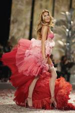Victoria's Secret fashion show boss lays it on the line for students