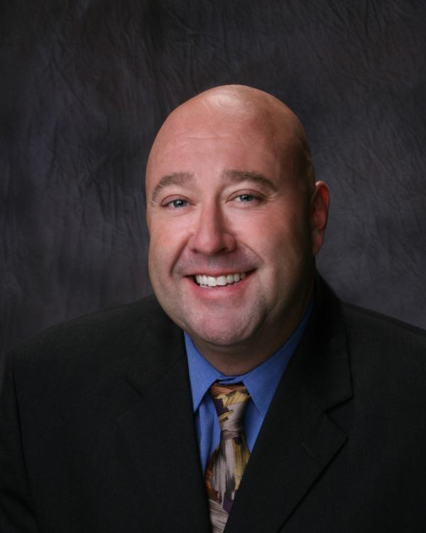 Rick Stoes, managing director/principal of Stoes Real Estate Advisors in Las Cruces has traded in his Grubb & Ellis|New Mexico affiliation to own a Henry S. Miller Brokerage commercial real estate franchise.