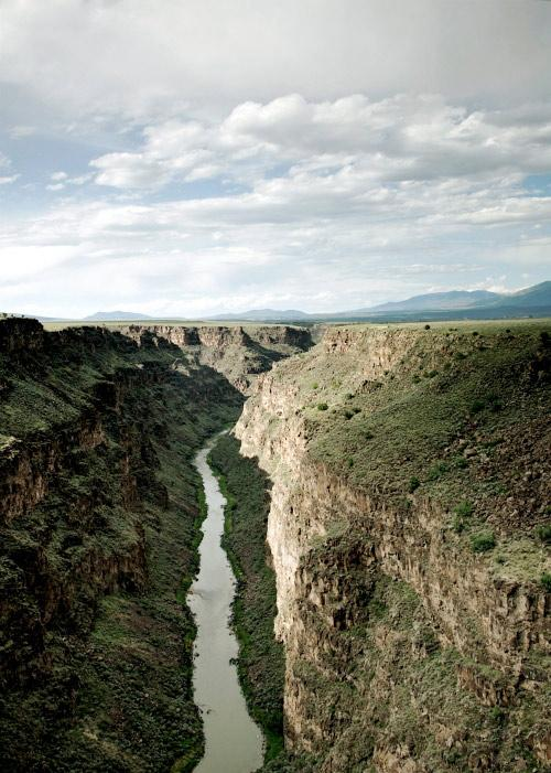 The Bureau of Land Management (BLM) Taos Field Office is seeking public comments on issues and concerns that should be considered during the development of a management plan for the new Rio Grande del Norte National Monument.