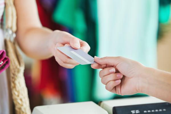 The National Retail Federation says its board has given approval for it to go to court and try to block a $7.5 billion settlement that Visa Inc., MasterCard Inc. and major banks have agreed to pay retailers.