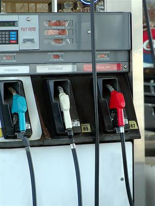 Volatility in crude prices and gas exporting kept pump prices elevated during the holiday weekend.