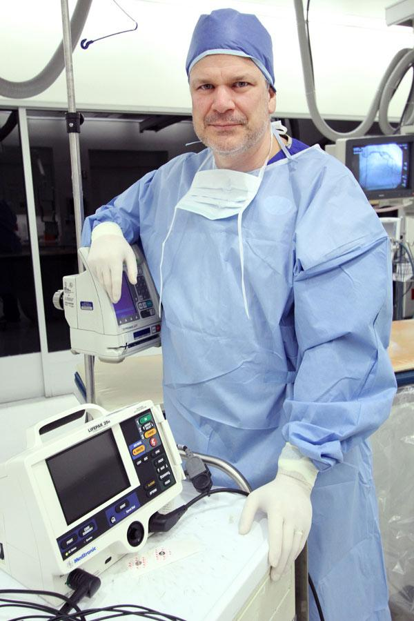 Robert Federici, M.D., in the Catheterization Labs at the Heart Hospital of New Mexico at Lovelace Medical Center