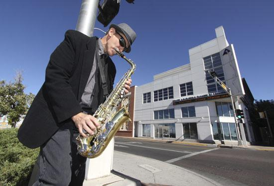 Don Putz plans to open Jazzbah at Second and Gold avenues in March. The club, which is leasing its space, will offer live jazz, appetizers and other light fare.