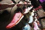 Retailers seek to thwart holiday shoplifters