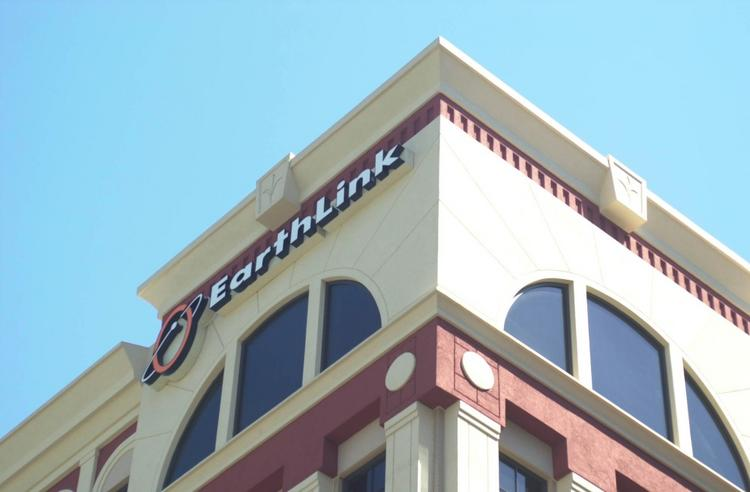 EarthLink Inc. will add a Memphis, Tenn., to Chicago, long-haul fiber route by the end of 2012.