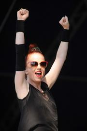 Shirley Manson reacts to the crowd.