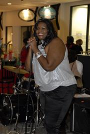 Singer Sheree Hollis entertained the crowd.