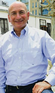 EXECUTIVE PROFILE FRANK BUONANOTTEAge: 58From: Brooklyn, N.Y.Lives in: Historic BrookhavenCurrent job: Investor in companies,real estatePrevious job: Founder, The Shopping Center GroupFamily: Two children, Alyx and Eric, and one grandson, BodhiHobbies: Flying helicopters, travel, wine and golf