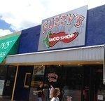 Fuzzy's Taco Shop opens near UT