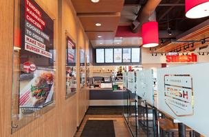 <br /><br /><br /> Smashburger will open its first Austin-area restaurant at Southpark Meadows later this month.</p><br /><br /> <p>