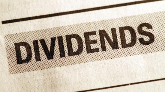 A growing number of publicly traded companies are moving up their  quarterly dividend payments or authorizing special dividend payments  before the end of the year.