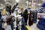 <strong>Darth</strong> <strong>Vader</strong> designer dies at 82