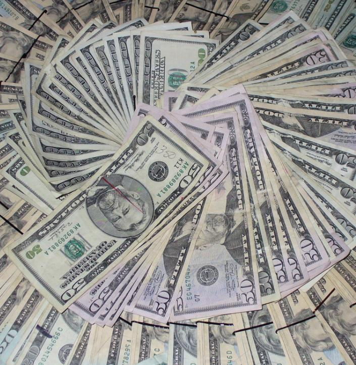 Linn Energy LLC and Eagle Rock Energy Partners LP both recently said they would increase their cash distributions for the first fiscal quarter of 2012.
