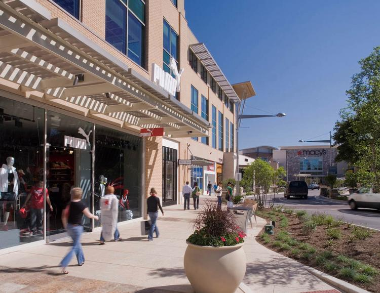The International Council of Shopping Centers expects March retail sales numbers to increase over the same month last year.
