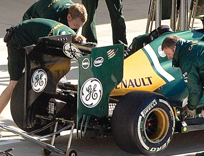 The Caterham F1 racing team uses Dell Inc. for its trackside data center system.