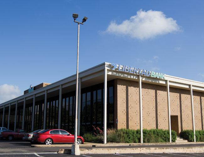 Libertad Bank has one location on Riverside Drive south of downtown.