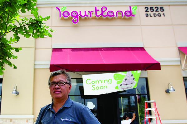 Yogurtland franchisee Michael Kang is almost ready to debut the California-born company to Austinites. Many other chains are doing the same.