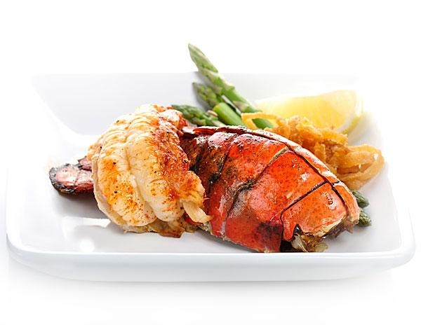 Lobster and champagne remain New Year's Eve favorites at Baltimore-area restaurants.