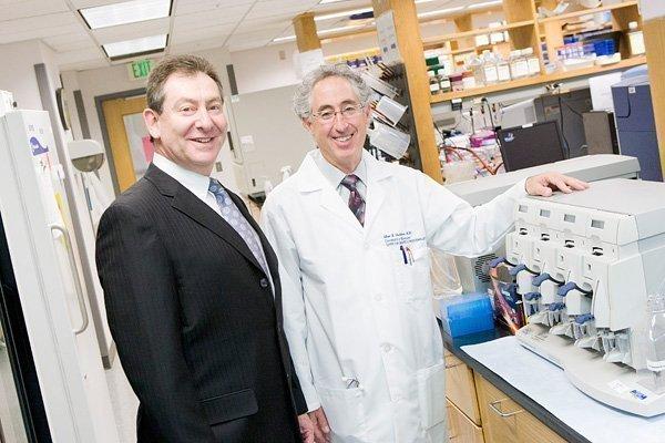 Dr. Stephen Davis (left) and Dr. Alan Shuldiner of the University of Maryland.