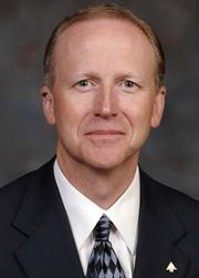Regions Financial Corp. (NYSE: RF) has tapped Ronnie Smith to lead its Mid-America division.
