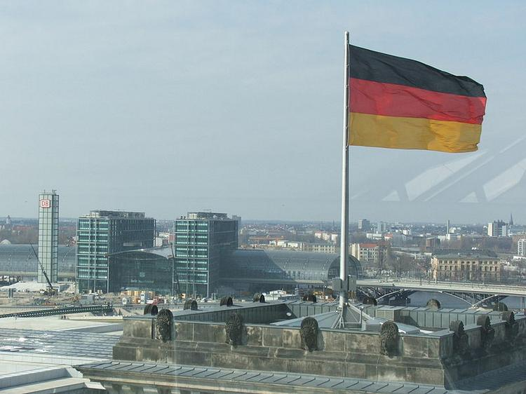 German-Americans are the biggest ethnic group in more than three-fifths of the nation's markets -- 580 of 942.