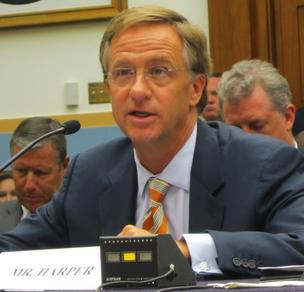 Tennessee Gov. Bill Haslam testifies in favor of legislation that would  allow states to collect sales taxes from Internet retailers.