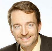 EMC President and Chief Operating Officer Pat Gelsinger has been named CEO of VMware, replacing Paul Maritz.