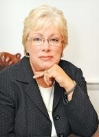 Lisa Dennis, president, Knowledgence Associates