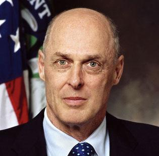 Former Treasury Secretary Henry Paulson said banks never considered how the public would react to the huge bonuses paid to executives after the government stepped in to rescue them.