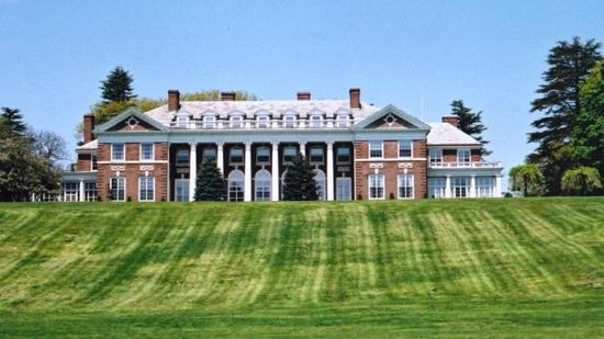 Stonehill College. With a six-year graduation rate of 84.7 percent, this Catholic college in Easton, Mass. beat out Smith, BU, Mount Holyoke, Worcester Polytechnic and Emerson among Massachusetts colleges graduating more than 80 percent of their students.
