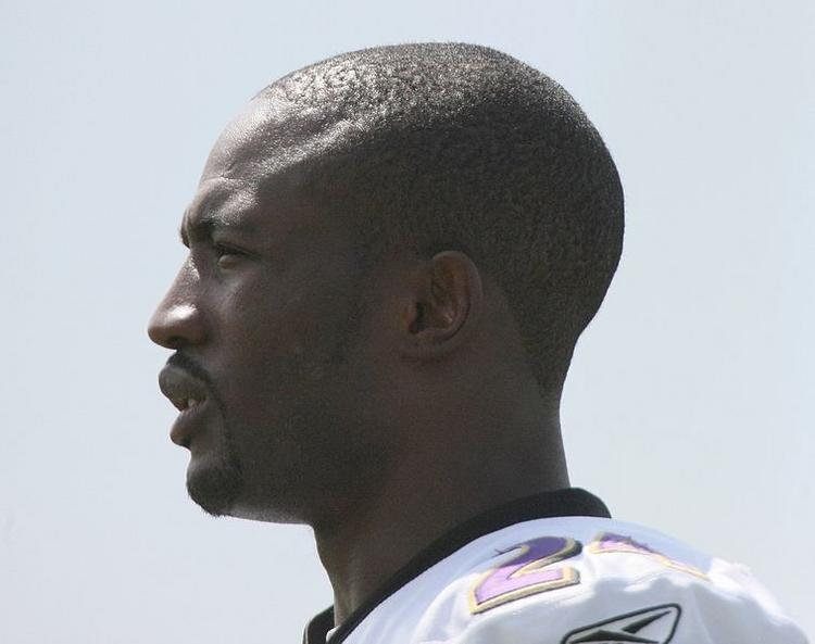 NFL Players Association President Domonique Foxworth, a former Baltimore Raven, is headed to Harvard Business School.