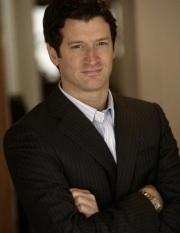 Jumptap said it's named former Yahoo executive Adam Chandler as its new SVP of sales.