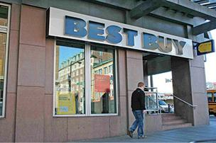 The former Best Buy building on Newbury Street is among the largest retail properties currently up for rent in Boston. Retail real estate in the Hub is stabilizing, leading other markets, a new report finds.