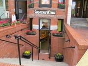 Smoothie King, which also sells frozen yogurt, is one of the competing shops on Newbury Street.