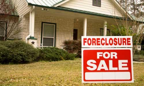 Portland area foreclosure rates rose in May while national rates fell according to RealtyTrac, an Irvine, Calif.-based research firm.