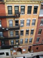 North End apartment building fetches $2.4 million at auction