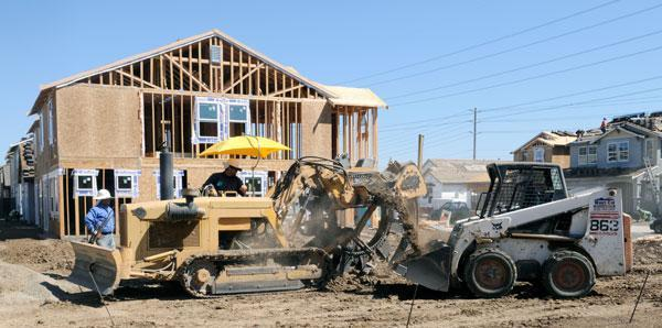 Residential and nonresidential construction lost jobs, according to a new report.