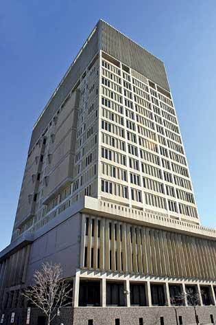 Gov. Deval Patrick will not veto the selection of Leggat McCall Properties to redevelop the shuttered Edward J. Sullivan Courthouse.