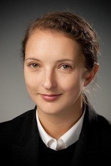 Alison  Moyer