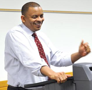 Anthony Foxx removed the chairman of the Airport Advisory Committee a day after heated discussions at the Government Center.