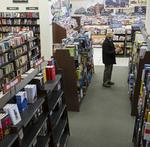 Barnes & Noble to close a third of its stores (Video)