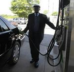 Gas prices may fall to $3.20 this summer